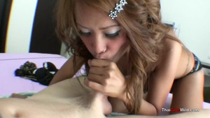 Thai babe goes wild on lucky dick